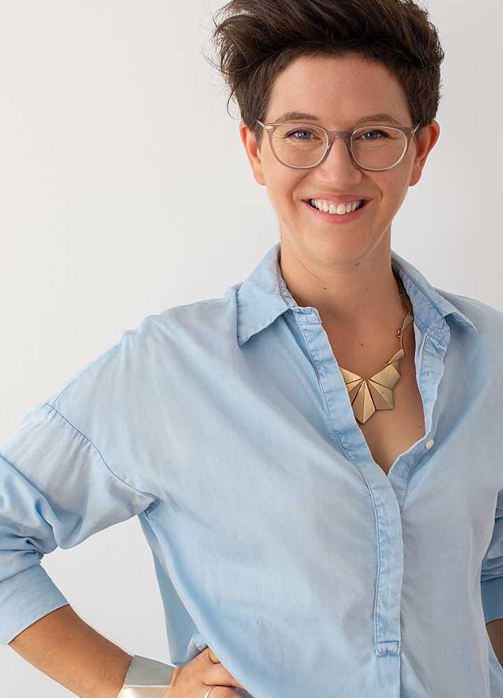 Sigrid Thomas Portrait